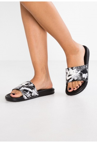 Black Friday 2020 | Nike NIKE BENASSI JDI PRINT - Mules black/summit white liquidation