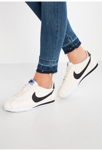 Nike CLASSIC CORTEZ - Baskets basses pale ivory/black/aluminum/white liquidation