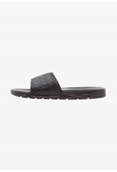 Black Friday 2020 | Nike BENASSI SOLARSOFT - Mules black/anthracite liquidation
