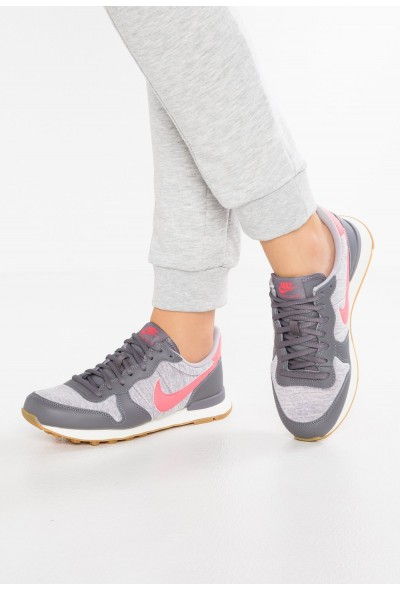 Black Friday 2020 | Nike INTERNATIONALIST - Baskets basses gunsmoke/sea coral/atmosphere grey/sail/light brown liquidation