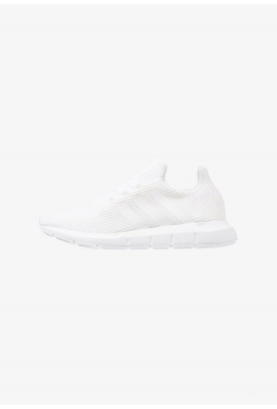 Adidas SWIFT RUN - Baskets basses footwear white/core black pas cher