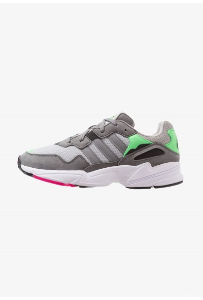 Black Friday 2020 | Adidas YUNG-96 - Baskets basses grey two/grey three/shock pink pas cher