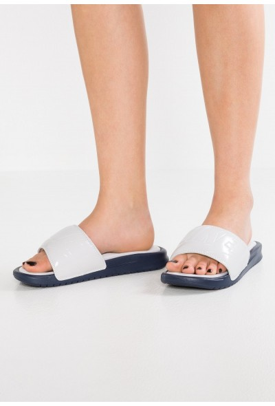 Black Friday 2020 | Nike BENASSI ULTRA LUX - Mules vast grey/obsidian liquidation