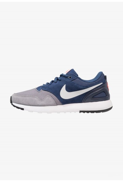 Nike AIR VIBENNA SE - Baskets basses gunsmoke/vast grey/navy/hot punch/obsidian liquidation