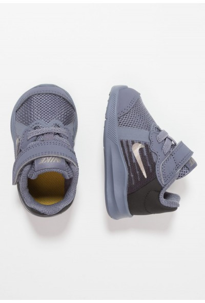 Cadeaux De Noël 2019 Nike DOWNSHIFTER  - Chaussures de running neutres light carbon/metallic pewter/peat moss liquidation