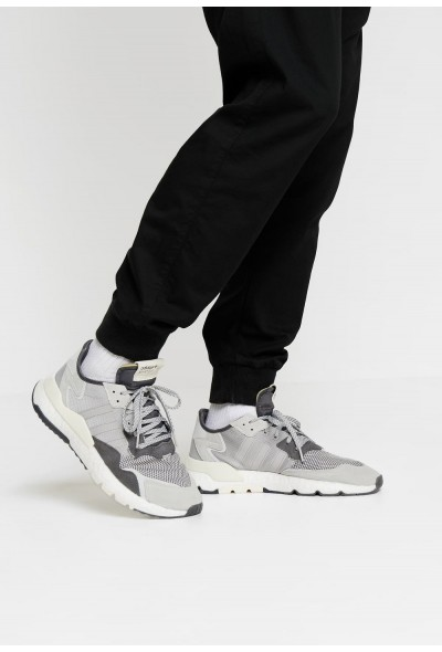 Adidas NITE JOGGER - Baskets basses grey five/grey one/grey two pas cher