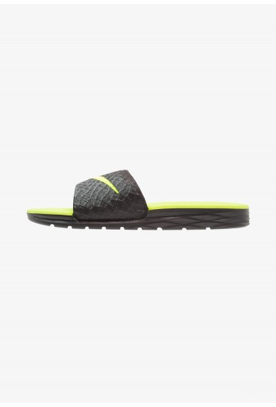 Black Friday 2020 | Nike BENASSI SOLARSOFT - Mules black/volt liquidation