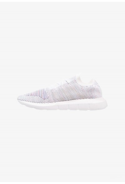 Adidas SWIFT RUN PK - Baskets basses footwear white/grey one/medium grey heather pas cher