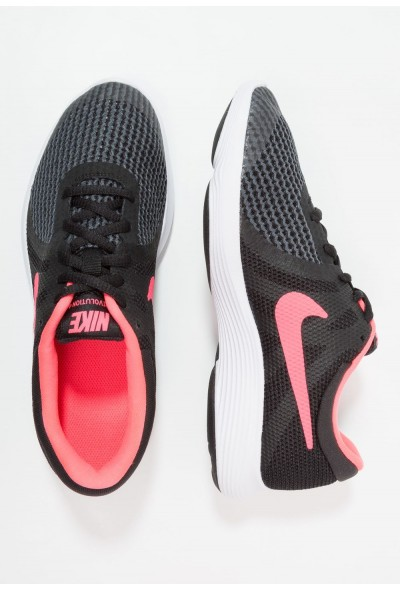 Nike REVOLUTION 4 - Chaussures de running neutres black/white/racer pink liquidation