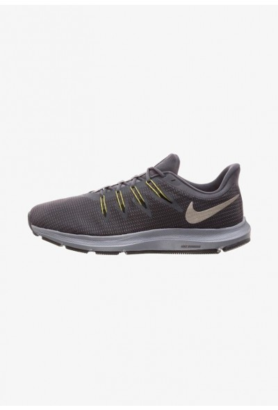 Nike QUEST - Chaussures de running neutres dark grey liquidation