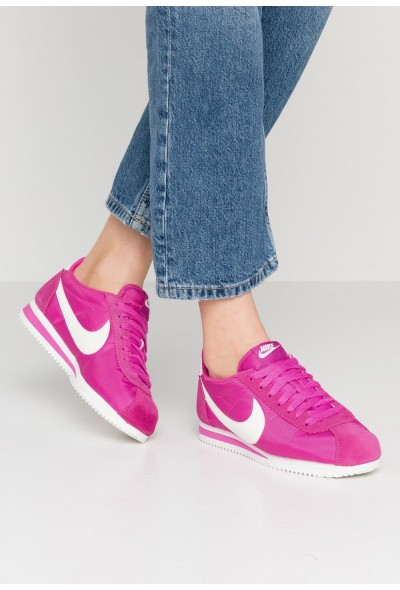 Nike CLASSIC CORTEZ - Baskets basses active fuchsia/summit white liquidation