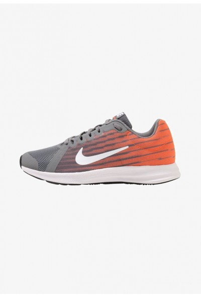 Nike DOWNSHIFTER  - Chaussures de running neutres cool grey/white/hyper crimson/dark grey/black liquidation