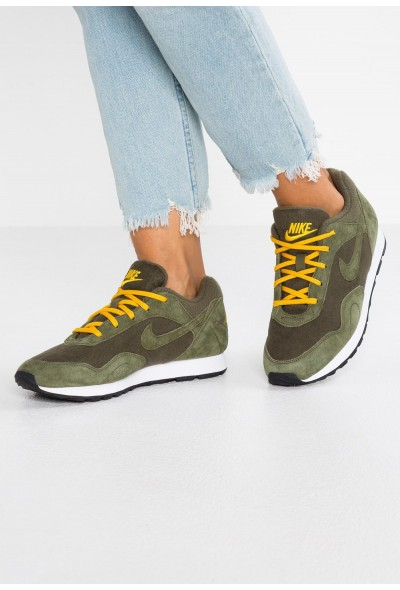Nike OUTBURST - Baskets basses olive/yellow ochre/white/black liquidation