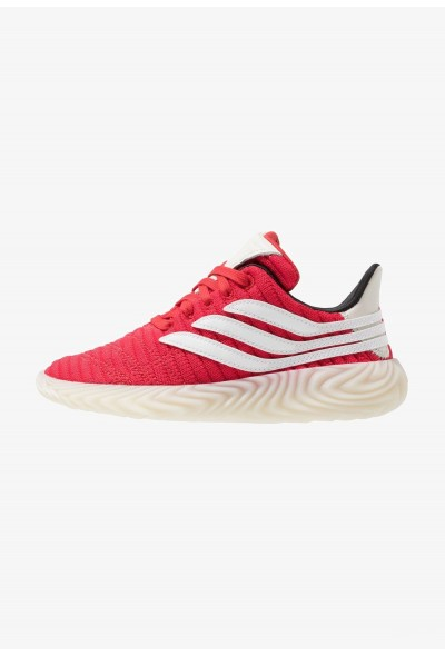 Adidas SOBAKOV - Baskets basses scarlet/footwear white/core black pas cher