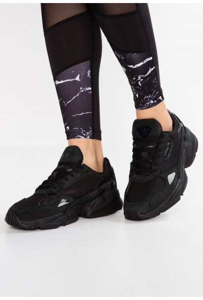 Adidas FALCON - Baskets basses core black/grey five pas cher