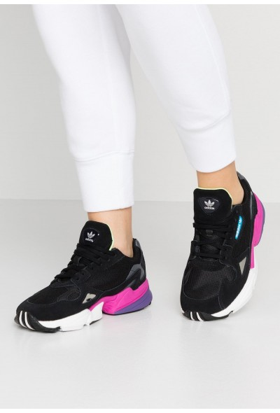 Adidas Baskets basses clear black/shock pink pas cher
