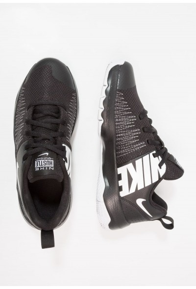 Nike TEAM HUSTLE QUICK - Chaussures de basket black/white liquidation