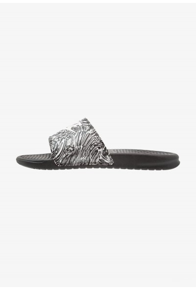 Black Friday 2020 | Nike BENASSI JDI PRINT - Mules black/summit white liquidation