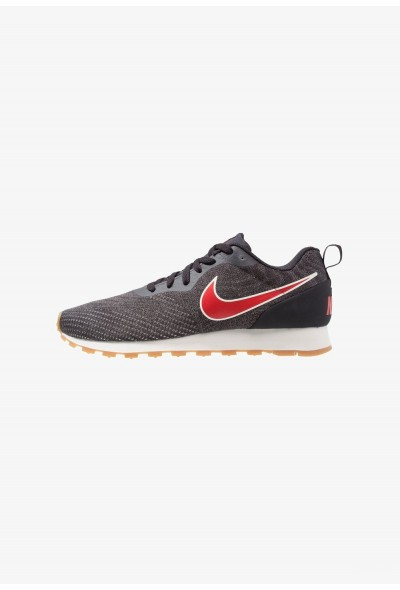 Nike MD RUNNER 2 ENG MESH - Baskets basses oil grey/universal red/gunsmoke/light brown/sail liquidation