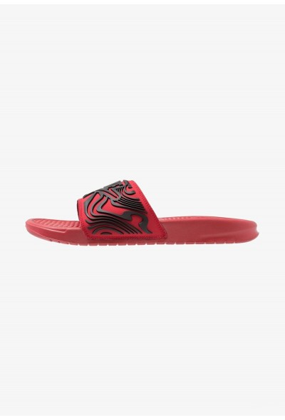 Nike BENASSI JDI SE - Mules gym red/black liquidation