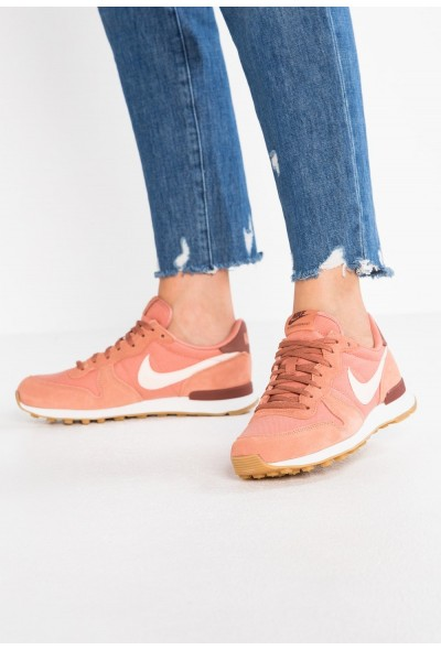 Nike INTERNATIONALIST - Baskets basses terra blush/guava ice/summit white/light brown/red sepia liquidation