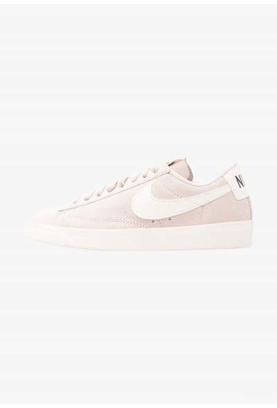 Nike BLAZER LOW SD - Baskets basses desert sand/sail liquidation