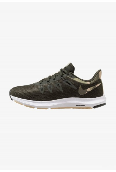 Black Friday 2020 | Nike QUEST - Chaussures de running neutres olive liquidation
