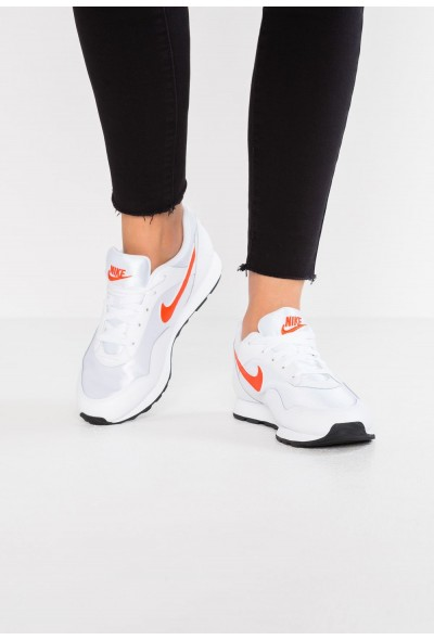 Nike OUTBURST - Baskets basses white/team orange/black liquidation