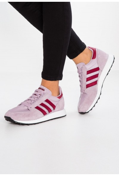 Adidas FOREST GROVE - Baskets basses soft vision/collegiate burgundy/chalk white pas cher