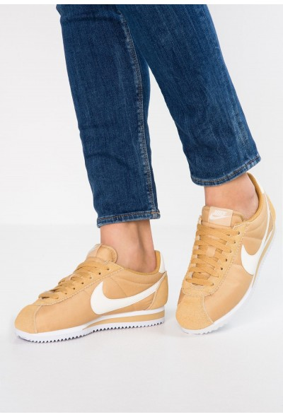 Nike CLASSIC CORTEZ - Baskets basses club gold/sail/white liquidation