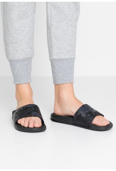 Black Friday 2020 | Nike NIKE BENASSI JDI PRINT - Mules black/oil grey liquidation
