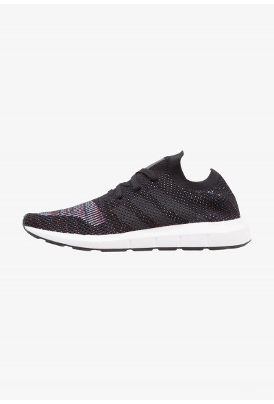 Adidas SWIFT RUN PK - Baskets basses core black/grey five/medium grey heather pas cher