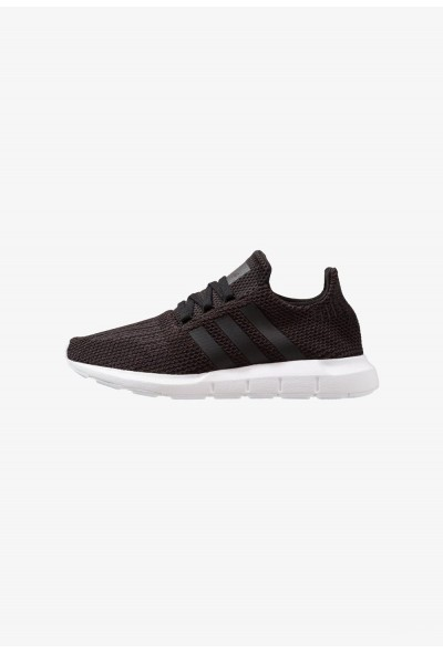 Adidas SWIFT RUN - Baskets basses core black/footwear white pas cher