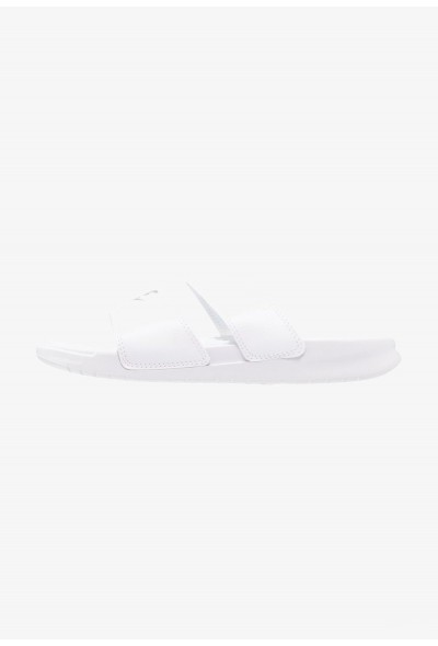 Black Friday 2020 | Nike BENASSI DUO ULTRA SLIDE - Mules weiß/silber liquidation