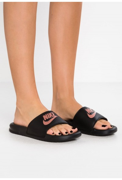 Black Friday 2020 | Nike BENASSI JDI - Mules black/rose gold liquidation