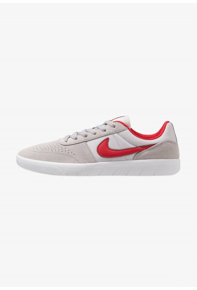 Nike TEAM CLASSIC - Baskets basses atmosphere grey/university red/vast grey/obsidian/white liquidation
