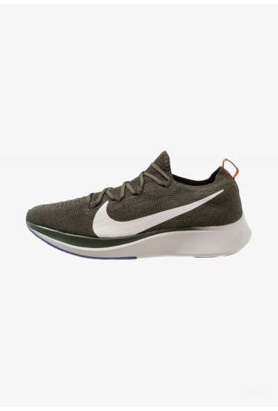 Nike ZOOM FLY FK - Chaussures de running neutres sequoia/summit white/olive flak/light bone/hyper crimson liquidation