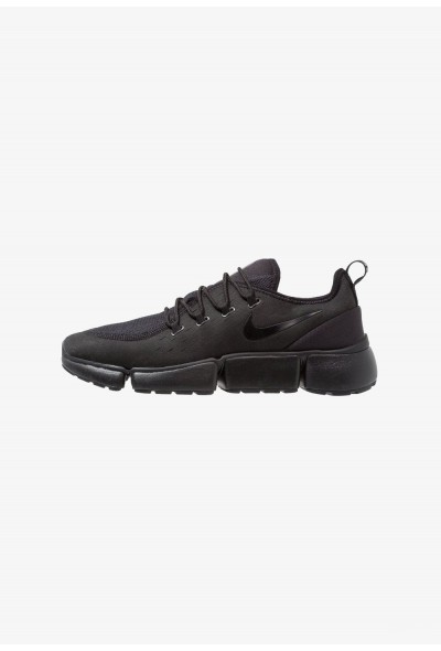 Nike POCKET FLY - Baskets basses black liquidation