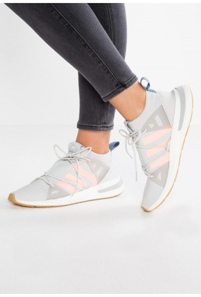 Adidas ARKYN - Baskets basses grey one/clear orange/grey two pas cher