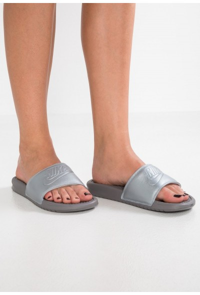 Black Friday 2020 | Nike BENASSI - Mules metallic silver/gunsmoke liquidation