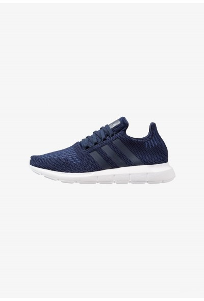 Adidas SWIFT RUN - Baskets basses collegiate navy/footwear white pas cher