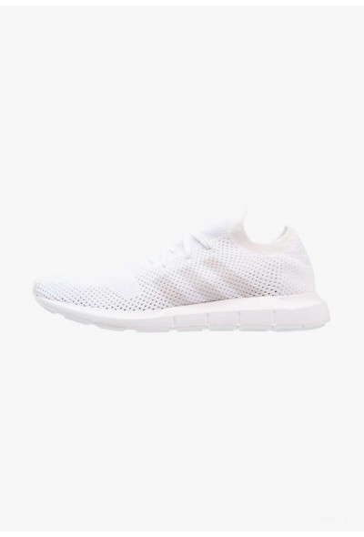 Adidas SWIFT RUN PK - Baskets basses footwear white/grey one pas cher