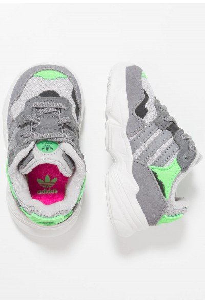 Cadeaux De Noël 2019 Adidas YUNG-96 EL - Mocassins grey two/grey three/shock pink pas cher