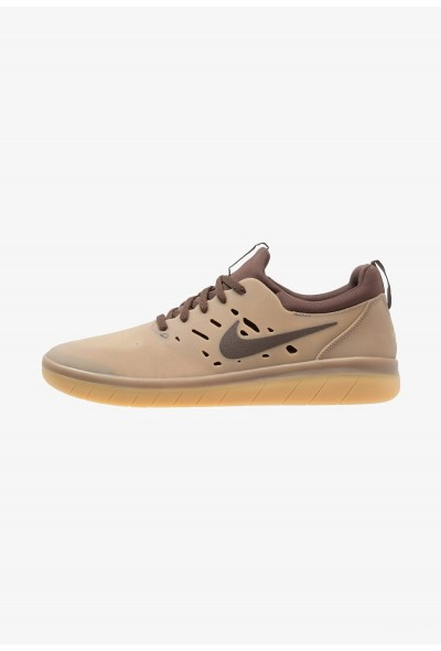 Nike NYJAH FREE - Baskets basses dark brown/baroque brown/canteen/british tan liquidation
