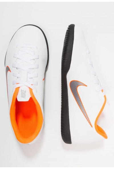 Nike MERCURIAL VAPORX 12 CLUB IC - Chaussures de foot en salle white/chrome/total orange liquidation