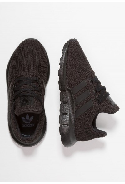 Adidas SWIFT RUN - Baskets basses core black pas cher