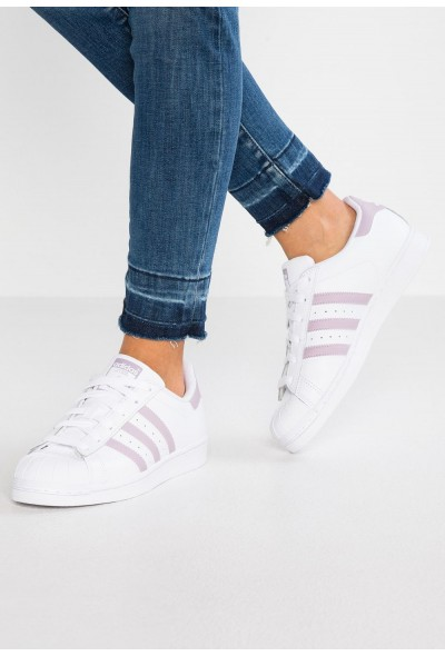 Adidas SUPERSTAR - Baskets basses footwear white/legend purple/core black pas cher