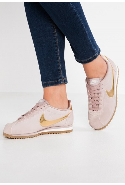 Nike CLASSIC CORTEZ SE - Baskets basses diffused taupe/metallic gold/phantom/light brown liquidation