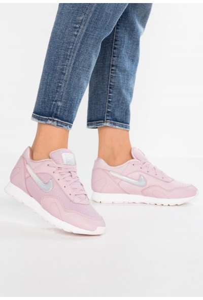 Nike OUTBURST PRM - Baskets basses plum chalk/celery/summit white/pale pink liquidation