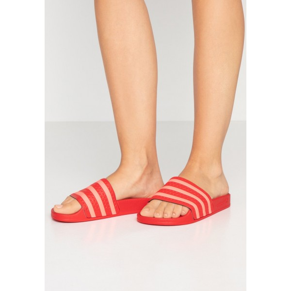 Adidas ADILETTE - Mules scarlet/flash red pas cher